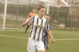 Quattro giovani firmano il loro primo contratto professionale con la Juventus Women