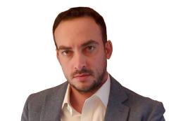 Marco Borri, con un professionista dentro il ruolo dell'osservatore calcistico