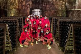 Cortefranca femminile: tour della cantina e presentazione con Carlo Tavecchio, il brindisi augurale per la prossima serie cadetta