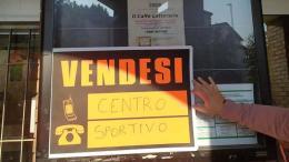 Torna il calcio giovanile a porte aperte ma in via Deledda i cancelli per tifosi e genitori sono ancora chiusi : la situazione del centro sportivo di Bresso