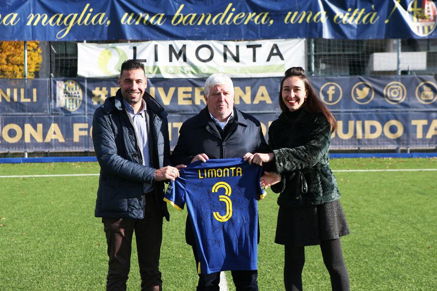 Credits: Hellas Verona – Nella foto da sinistra: Dario Delcarro (Technical Department – Responsabile di commessa – Limonta Sport SpA), Stefano Cacciatori, (stadium manager dell' Hellas Verona) – Liz Melli (Marketing & Communications Manager Limonta Sport SpA)