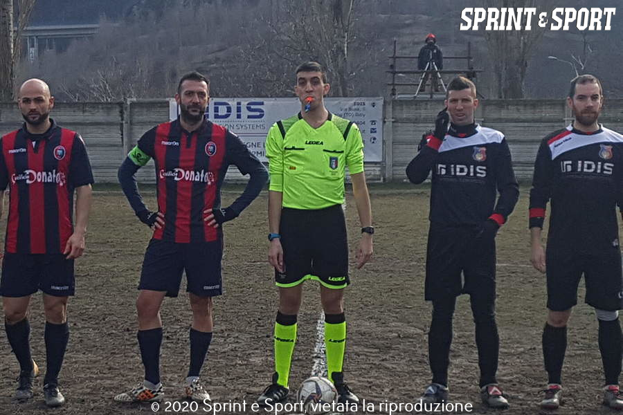 Venaus-Pianezza Prima Categoria, Girone D (L'ingresso in campo delle due squadre)