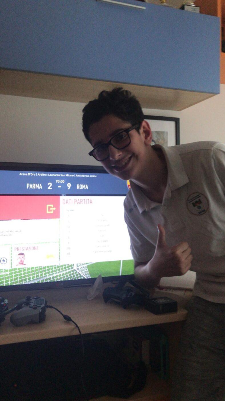 Riccardo Castiglioni festeggia nel post partita il successo sul Parma di Federico Benedusi