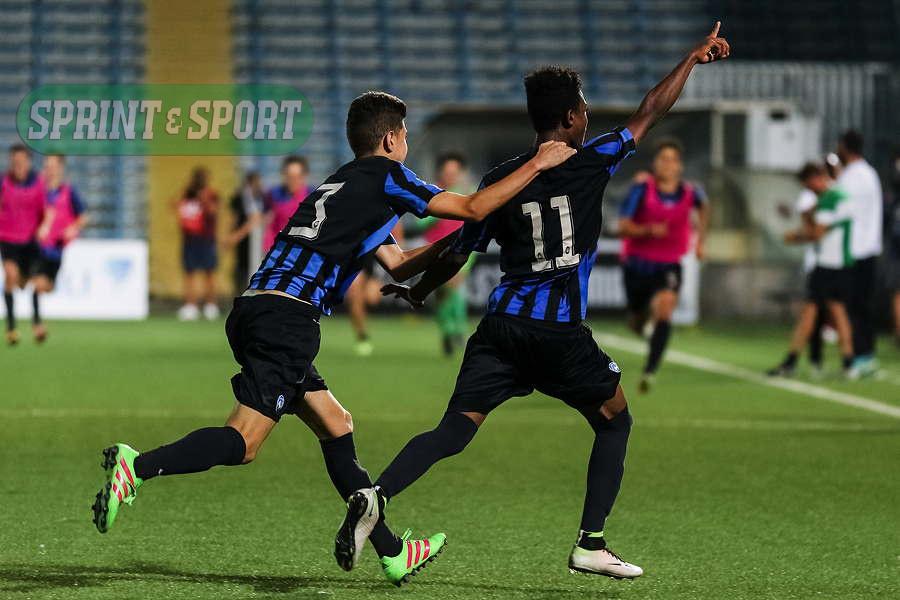 Atalanta-Roma, finale Scudetto Giovanissimi 2016: l'esultanza con Brogni