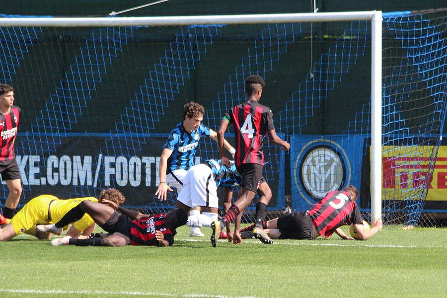 Inter-Milan Under 17: il tocco di mano di Bozzolan a inizio ripresa